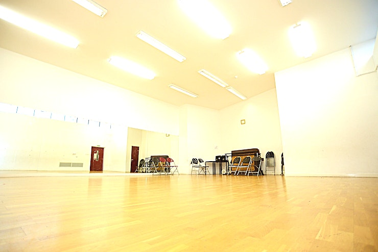 Dance Studio **Oxford House in Bethnal Green is a flexible and affordable space available to hire as a large art exhibition space, creative space, and workshops or training days.**