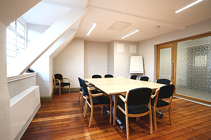 Settlement Room **The newly refurbished Settlement room is a bright and airy meeting room located on our third floor. Ideal for small meetings, read throughs and interviews.**  The room has free superfast WiFi and