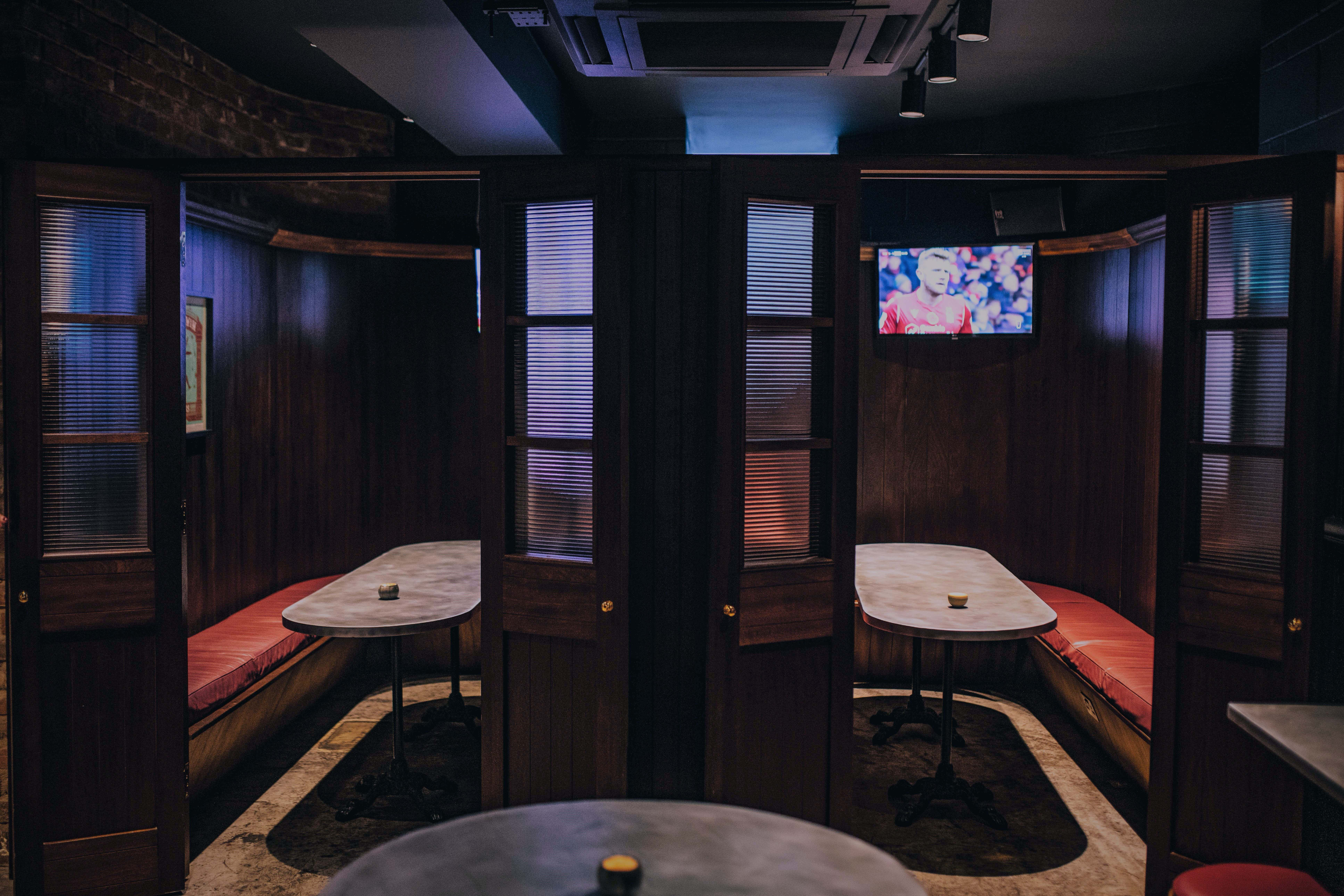 Private Booth, Gibney's London