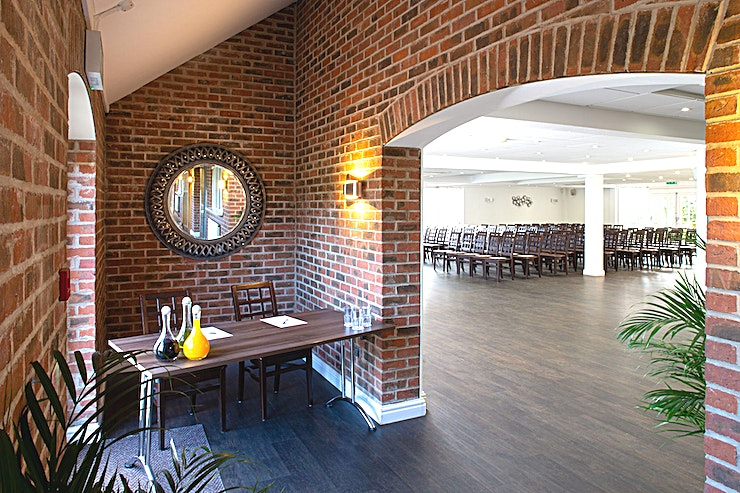 Conferences and Events **The Stonebridge Golf Centre is located in Coventry and is a stunning and vibrant venue, great for your next away day, meeting or conference.**