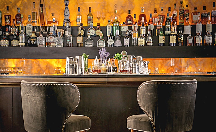 PRIVATE ROOM & LOUNGE BAR  - 2ND FLOOR **Classic Italian dishes in trendy surroundings at Sumosan Twiga in Knightsbridge**  The much-loved Sumosan brand expanded in 2016 with the addition of Sumosan Twiga in Knightsbridge, where diners c