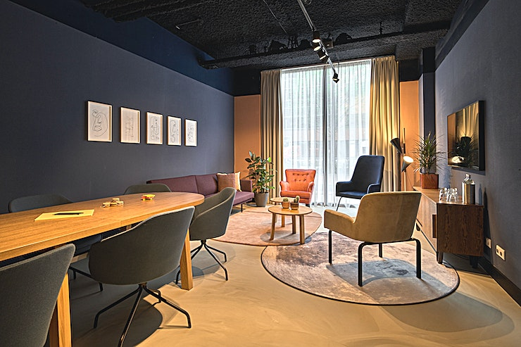The Shine Bright Room **The 'Cityden The Garden' located in Amsterdam, is a vibrant multifunctional dining and workshop space available for hire.**  This Space comes with floor-to-ceiling windows offering more than enoug
