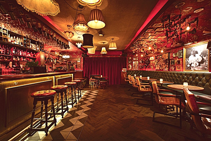 Whole Venue Barts is a quirky late night speakeasy bar hidden away in the heart of Chelsea. With an extensive wine and prohibition cocktail list. This venue is ideal intimate gathering, product launches, Christma
