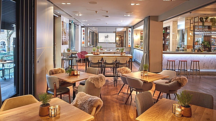 Devonshire Terrace **Just a stone's throw from Liverpool Street station, Devonshire Terrace is a beautiful Space, perfect for your next event**  Your night out in London starts here, whether it's a cocktail making cla