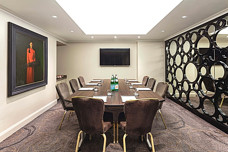 Private Room 8 **Hire the sophisticated Private Room 8 at Raddison Blu Edwardian Vanderbilt, a versatile Space perfect for a range of corporate events.**  Private Room 8 has recently undergone refurbishment to high standard, in a layout with a focus on making your conference, training or private dining run smoothly and comfortably. Technology is state of the art too, with options including Inbuilt PA systems, in-ceiling speakers, HDMI & VGA connections, MP3 & PC connectivity, smart TV's and inbuilt projectors.  The Vanderbilt is a 19th century Grade II listed building combining historical features and modern style. This hotel is less than five minutes' walk from the world-famous Natural History Museum, Science Museum, Victoria and Albert Museum and Royal Albert Hall, home of the BBC Proms festival. Hyde Park, Harrods, Harvey Nichols and the rest of Knightsbridge's exclusive boutiques are only a few minutes's walk away.   The room can host a stylish boardroom for up to 10 delegates.