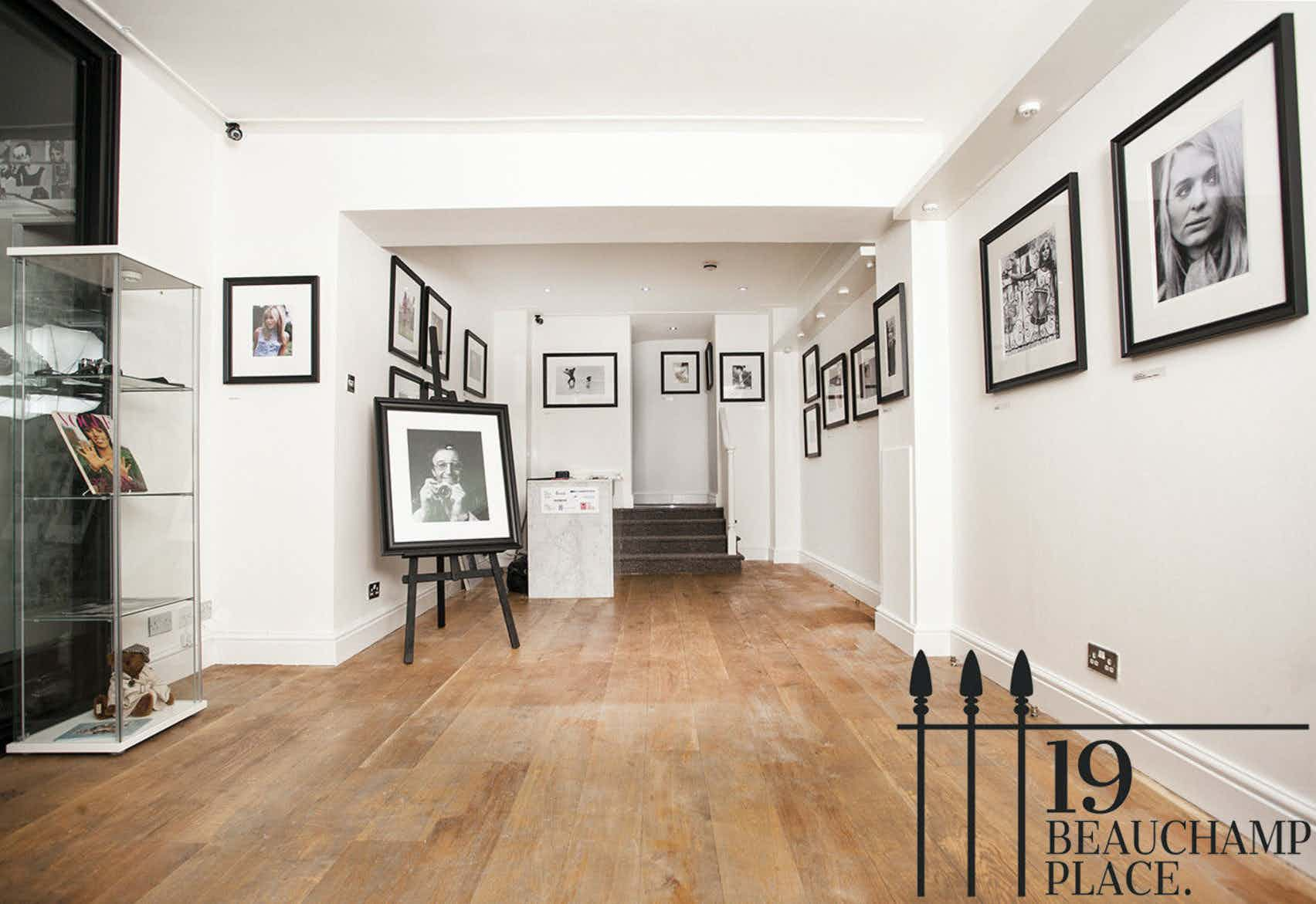 1st Floor Townhouse, 19 Beauchamp Place