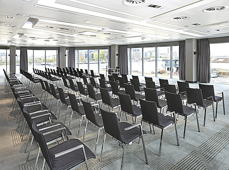 Foxtrot **The Foxtrot room at Crown Plaza in Battersea is the ideal riverside meeting venue hire in London for your next meeting, conference, screening or workshop.**