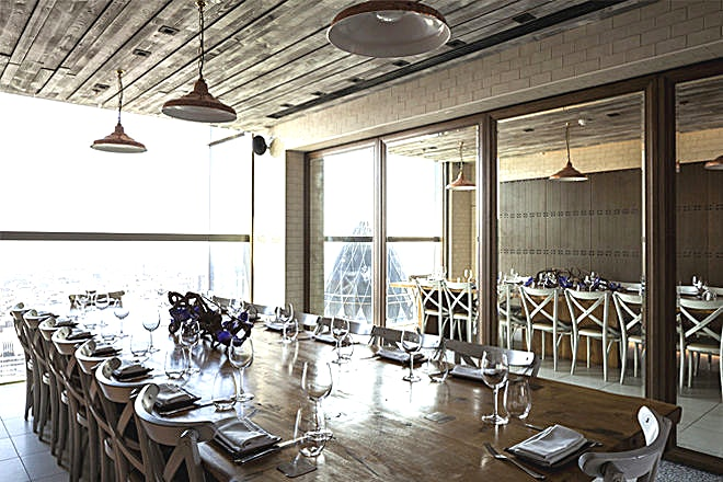 Private Dining Room - Dinner Located atop a 40-storey skyscraper at 110 Bishopsgate in the city of London, Duck & Waffle made its debut in the restaurant scene in the summer of 2012. Inspired by broad European and British influen