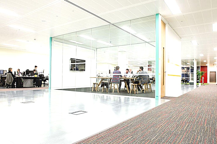 Howard Hughes  **Hire the Howard Hughes at Runway East for a large meeting room available to hire in East London**   The largest meeting room at Runway East, Moorgate is named after the famous entrepreneur and aviator Howard Hughes. Forming a small event Space with a rich background sure to impress your Guests.   Situated in the middle of the working Space, it's glass walls provide light and a spacious atmosphere. Ensuring focus and freshness for Guests, clients and colleagues.  So if you are on the hunt for a meeting room in the Moorgate area, the Howard Hughes room boasts a brilliant option.