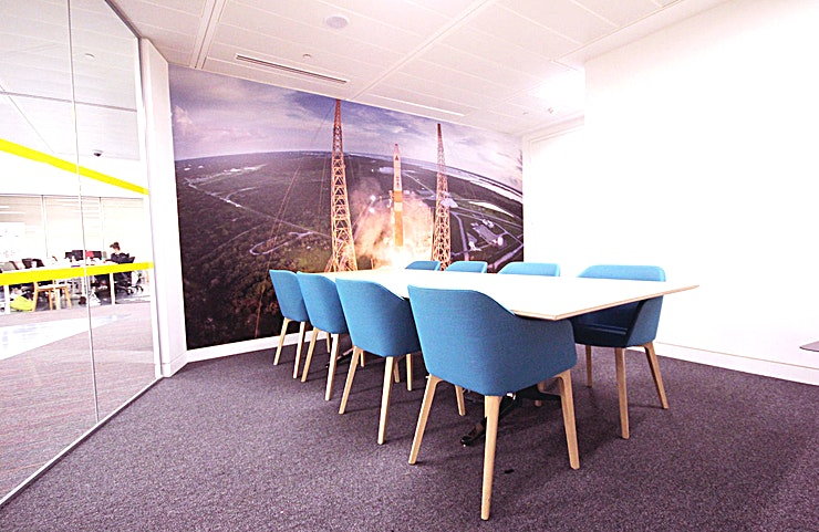 Buzz Aldrin **Looking for a quirky meeting room to hire in East London? Welcome to the Buzz Aldrin room at Runway East**   Named after the Apollo 11 Astronaut, this meeting room is one of the amazing Space available at Runway East Moorgate.   This London meeting room hire can accommodate up to 8 Guests, offering an intimate and private setting for an array of small company events.  Whether it's an interview, team brief or small presentation, the Buzz Aldrin room is an ideal option for you and your Guests.    This meeting room is perfect for any team togethers or product pitches in a room that's full of natural light and modern design to create the perfect creative hub.