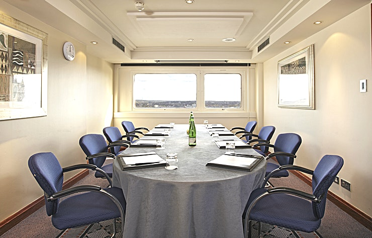 Cutty Sark  **Sure to inspire your team, the Cutty Sark meeting room hire is everything your next meeting requires**  The room can take up to 8 Guests in a boardroom layout and 12 in theatre style, providing a versatile meeting room hire in the heart of London.   It has natural daylight, air-conditioning and a beautiful view over the River Thames. All features are guaranteed to help your Guests feel focused and inspired.  The meeting rooms at The Tower Hotel all have the incredible bonus of a dedicated event Host, sure to accommodate all of your event requirements. Your event has never run more seamlessly.  With offers of complimentary WI-FI, pens, pads & sweets on the table as well as projector and flip-chart, your meeting or conference is promised an efficient and effective destination.