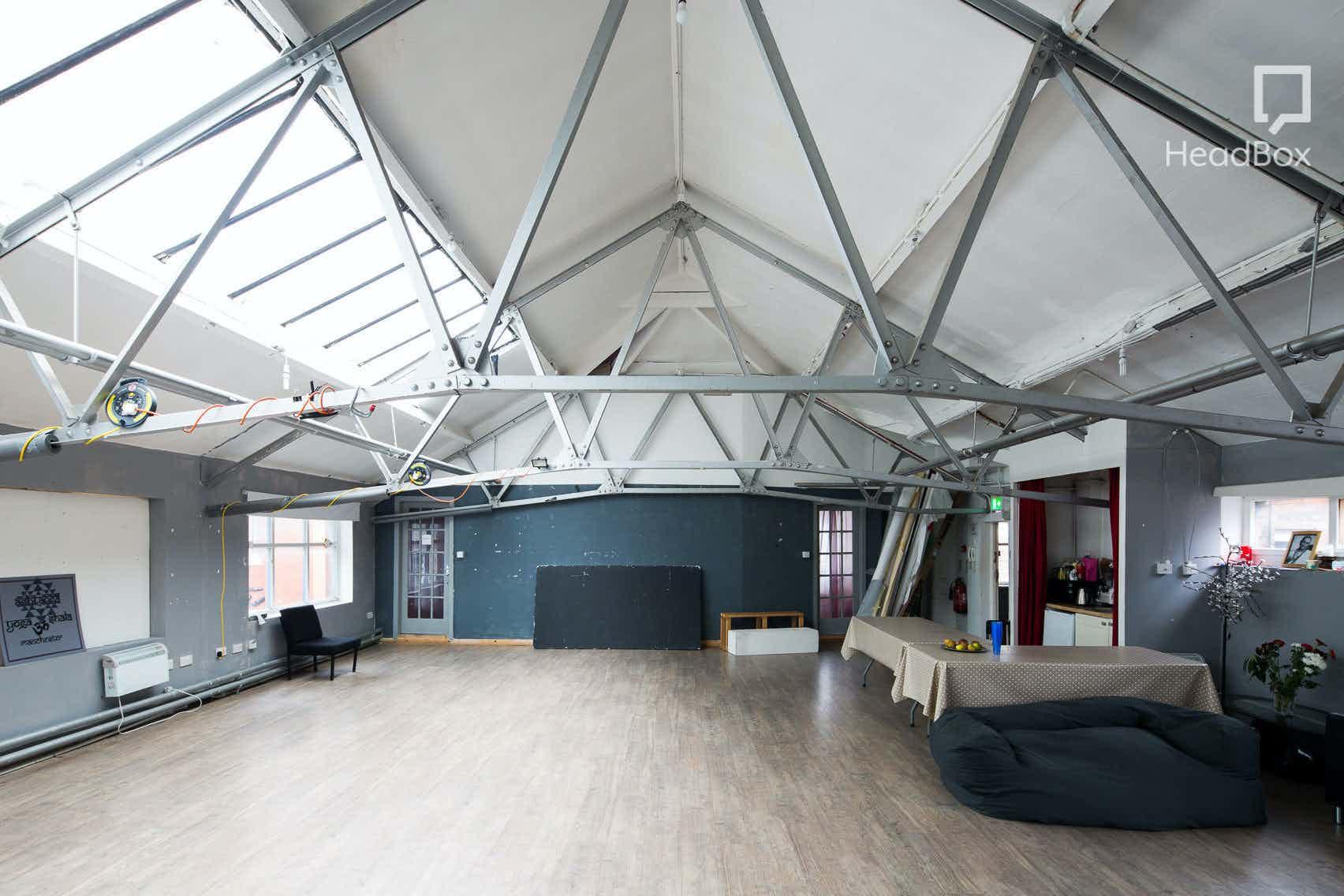 Photography Studio, Studio Bee