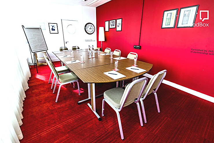 Burman Room **The Burman is on the second floor, accessible by wheelchair. This room has plenty of natural light with stunning views over Centenary Square and the City of Birmingham.**   This Space is used for board meetings, interviews, workshops. In the evening this room can be hired for private dining or a small event.