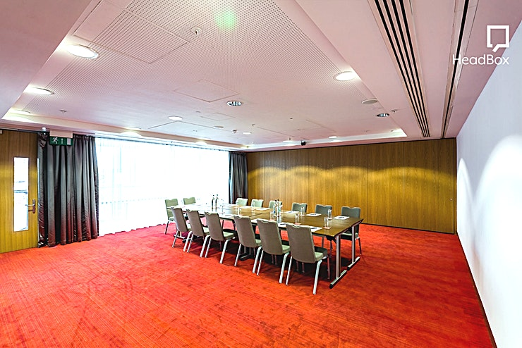 Suite 3 **The Suites overlook Centenary Square and into the Library of Birmingham.**   They are fully air-conditioned and have great natural daylight. They can hold 200 theatre style or 90 cabaret style as on