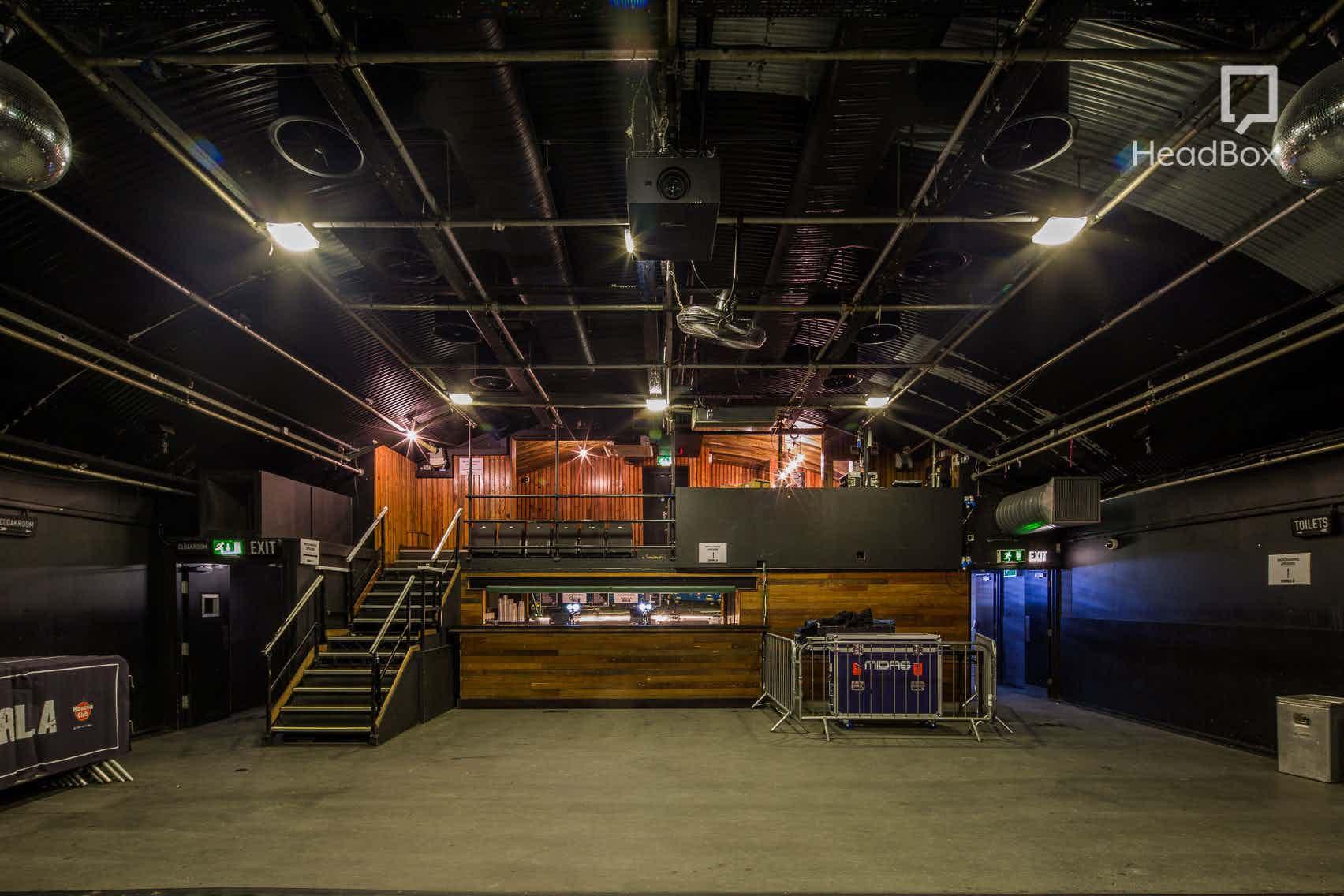 Club Space, Gorilla
