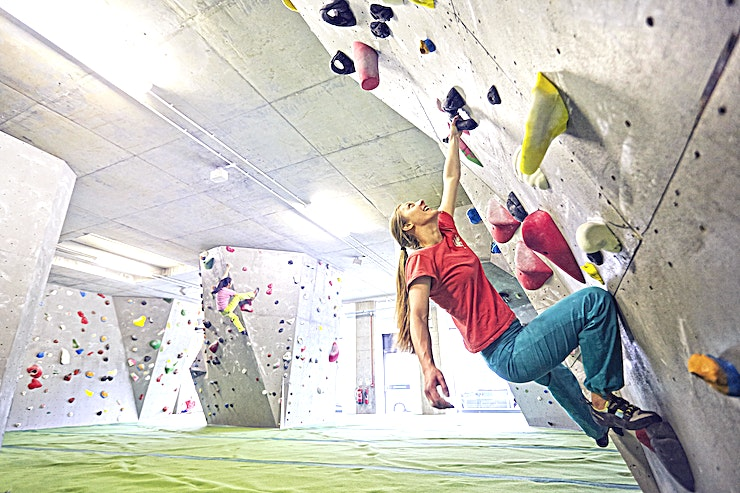 Group Bouldering Session **Arch North – our brand new centre at Burnt Oak opened in September 2015. A modern, glass-fronted spacious building offering up to 11 000 square feet of climbing.**   Burnt Oak is located on the Edgware branch of the Northern line. Arch North is divided into 10 areas which feature mostly overhanging climbs. We have an extensive slab wall to compliment and a hugely popular horizontal roof and barrel wall feature.  There are two large stand-alone boulder islands and modern strength training facilities, 45-degree training board, gym rings, fingerboards and gym apparatus. Arch North features exceptional modern facilities, changing rooms, showers, lockers, seating area, coffee bar and shop.