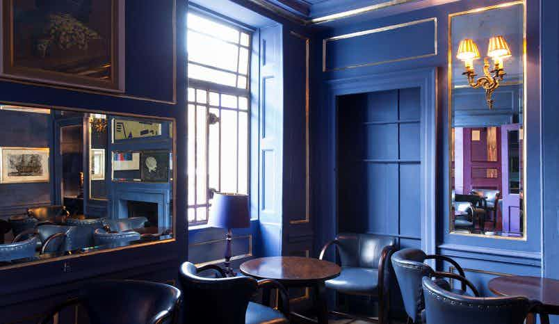Le Salon Bleu at L'Escargot, L'Escargot