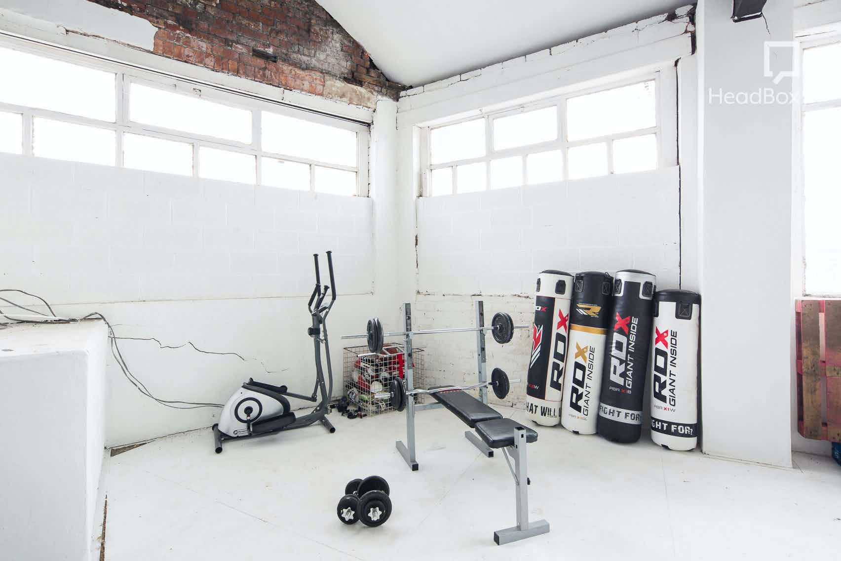Studio 2 + Gym / Bed / Catwalk Shoot Area, Studio 303