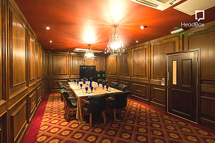 Florentyna's **For private dining or intimate board meetings, Florentyna's is a perfect option**