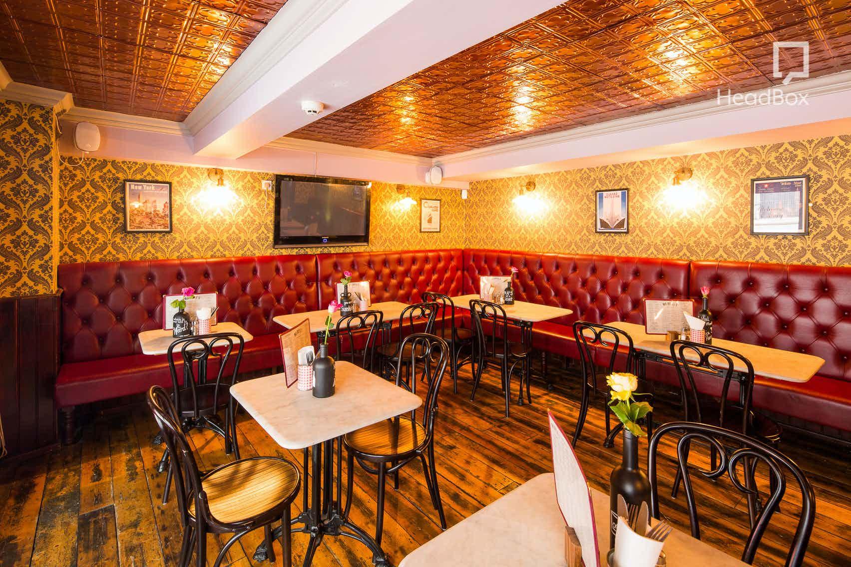 The Lounge, Ma Boyle's
