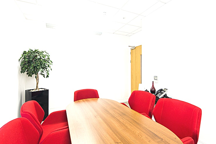 Suu Kyi Room **Suu Kyi Room at 54 St James Street is the perfect venue hire for your next meeting or presentation in Liverpool.**  Suu Kyi Room and many more similar size and layout meeting rooms are stylishly a