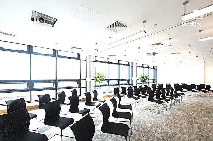 Roddick Rooms (3) **Hire the Roddick Rooms at 54 St James Street for the ideal venue hire in Liverpool for your next meeting, conference or team discussion.**   The Roddick Rooms are very versatile; located on the fo