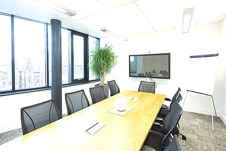 Simey Suite **Looking for one of the best meeting rooms Liverpool has to offer? Book the Simey Suite at 54 St James Street for your next meeting or presentation**  The Simey Suite is located on the third floor of the building, and has an abundance of facilities to ensure your event is as effective as seamless as possible.  Including a plasma screen, TV, integrated audio visual and IT services, 54 St James Street operates with advanced meetings and presentations in mind. Ideal for corporate hire.  The Suite provides smart environment ideal for hosting client presentations, board meetings and staff development sessions for up to 10 Guests.   Available from just £17 per hour for a full or half day rates, the Simey Suite is the perfect choice for your next meeting.   This room benefits from natural daylight, heating and cooling system controlled from inside the room. Free Wi-Fi connectivity is also available. Everything you need for your next team meeting is right here at 54 St James Street.