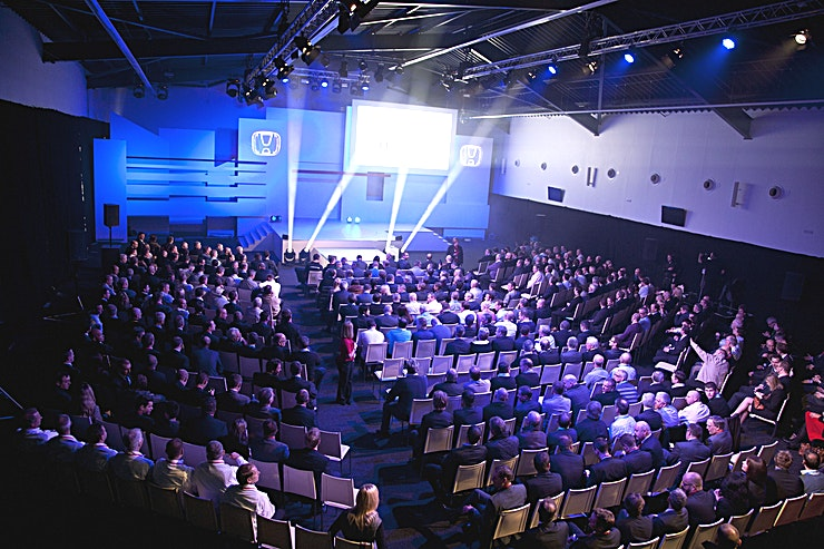 Hall 2 Size 1050m2