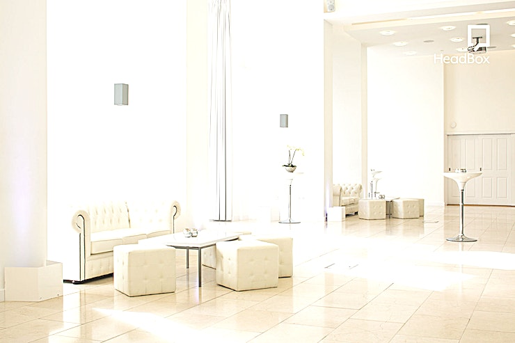 Exclusive Hire **Exclusively hire The Venue at the Royal Liver Building for a versatile venue hire that can play host to any corporate event. From meetings to private parties this unique Liverpool venue is the venue for you.** 