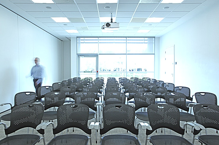 The Helix Rooms Alderley Park's three large Helix meeting rooms accommodate up to 50 people all on their own. Combined, they provide a flexible meeting space for up to 150. Each room offers a multifunctional set-up, from theatre to boardroom, classroom or even cabaret style.   Light, spacious and presentation-friendly, each comes equipped with modern furniture, projector screens, flip charts and laptop connections. With 8 flexible breakout spaces, PA equipment, projection screen and acoustic walling, each room adapts to your precise needs.  Please instant message me for any more information that you require.