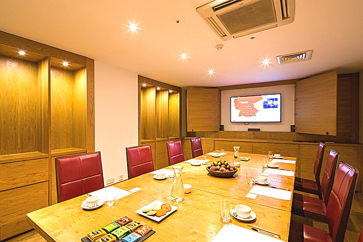 Boardroom **You can hire the Boardroom at Hope Street Hotel for your next corporate event. This Liverpool venue hire is ideal for large meetings, conferences or presentations in the city centre.** 