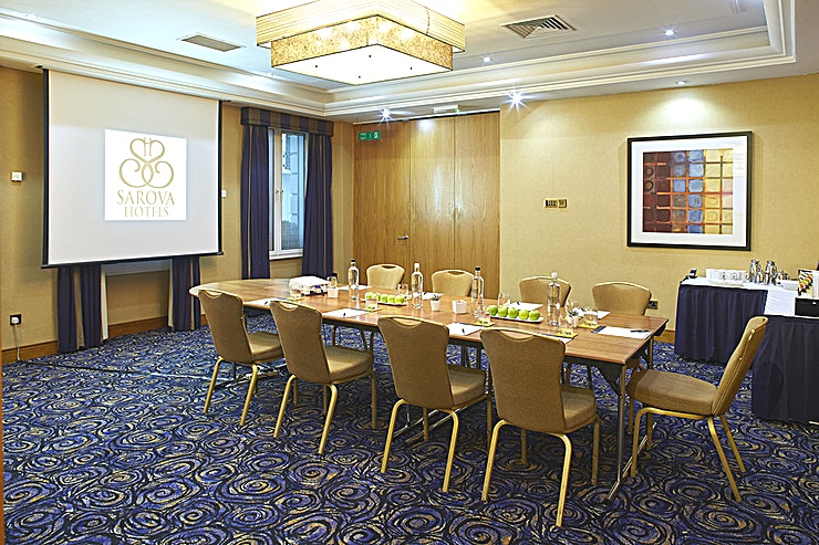 Princess Suite Part of the Kings Suite, the Princess Suite is divided using soundproof partitions. Hosting up to a maximum of 24 people, the meeting and event space is a popular one for board meetings, private dinne