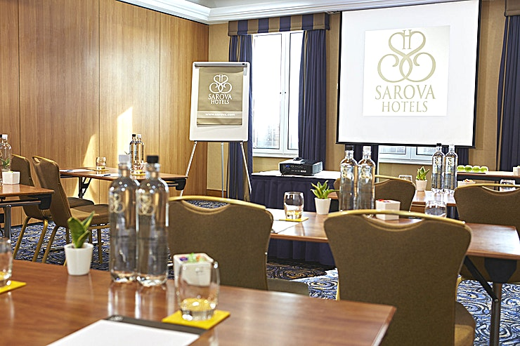 Charles Suite Part of the Kings Suite, the Charles Suite is an ideal space to host training sessions, seminars, board meetings and more intimate events for up to 40 people.