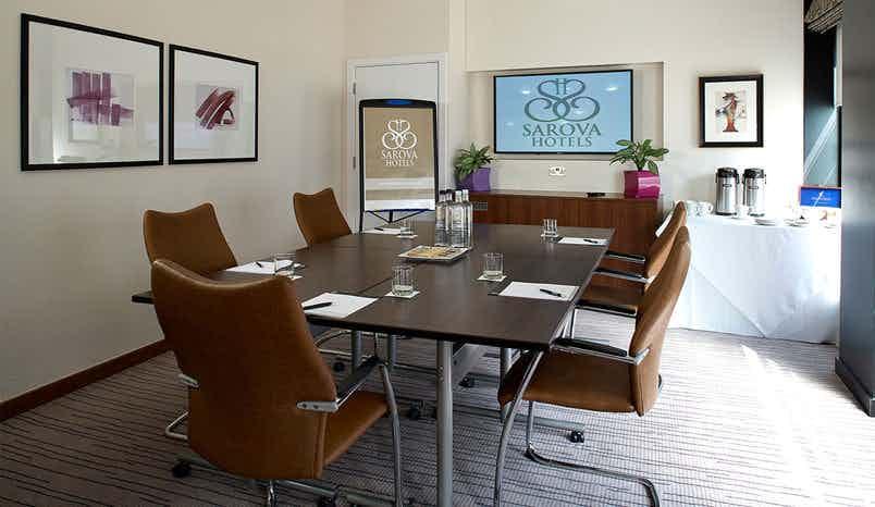 Highgrove Boardroom, Sir Christopher Wren Hotel