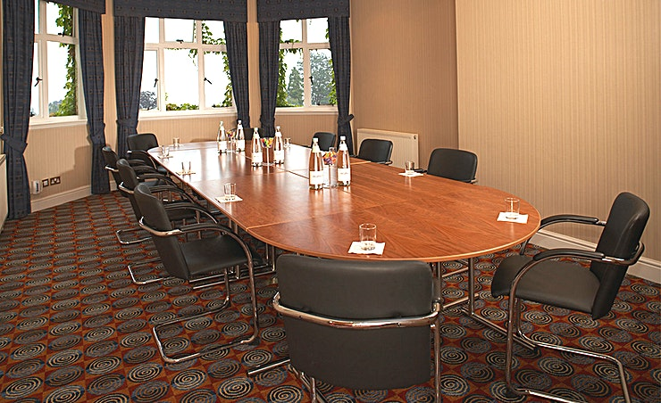 Montgomery Suite Spectacular views over the Vale of Evesham make the Montgomery Suite an inspiring venue for boardroom meetings for up to 16 or seminars for up to 20.