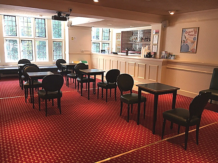 Circle Bar Being the second largest space at Theatre Royal Windsor, the Circle Bar can be set up in any configuration and has a capacity of up to 60 people.