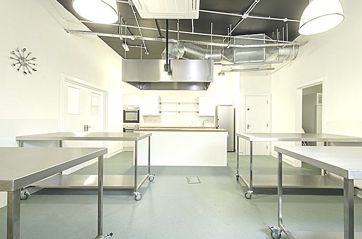 Events Space Jenius Social in Islington is a unique London venue hire and an inspired choice for any event. It is a versatile and unique Space that can be used for corporate away days, exclusive private dining experiences, product launches, creative business meetings or private parties. Kitchen hire of this London events venue is very popular for PR events, workshops or as a photoshoot or filming location.