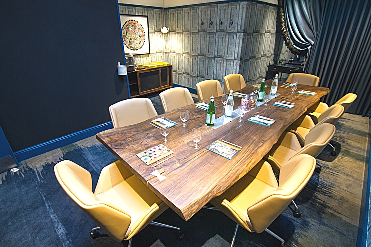 Boardroom **Hire the Boardroom at Hotel Indigo London Kensington for one of the best meeting rooms London has to offer!**   The Hotel Indigo® London Kensington is situated in the heart of the Royal Borough of