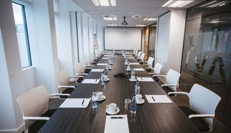Boardroom, ihub Office Piccadilly Plaza