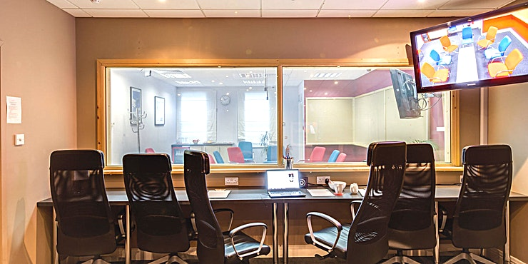 The Lounge **Book the Lounge at First Sight Studios as a creative venue hire in Bristol for your next meeting, conference or workshop.**   We have two state-of-the-art studio suites:  The Lounge and The Study