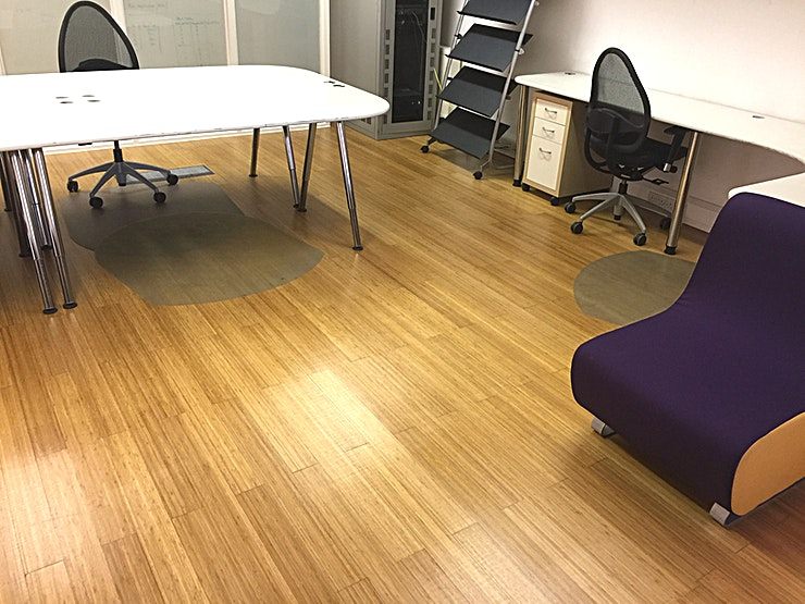 Hammersmith Office/Studio space Office space in Hammersmith, up to 30-40 desks, or can be used as a Studio. Lovely lighting and tall ceilings. Tea & coffee facilities, toilets and showers for those that need to ! Free fast wi-fi.