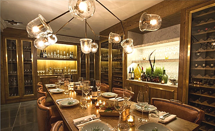 Private Dining Our Kensington private dining rooms combine a sense of occasion with state-of-the art facilities, if you are looking for a private London venue. The Games Room provides an irreverent backdrop for your