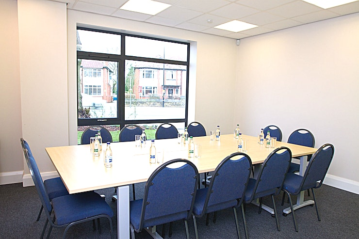 Elliot Room **Hire the Elliot Room at the LifeCentre for your next meeting room hire in Manchester.**   A great room for smaller meetings, conveniently located on the ground floor. This room works well for inte