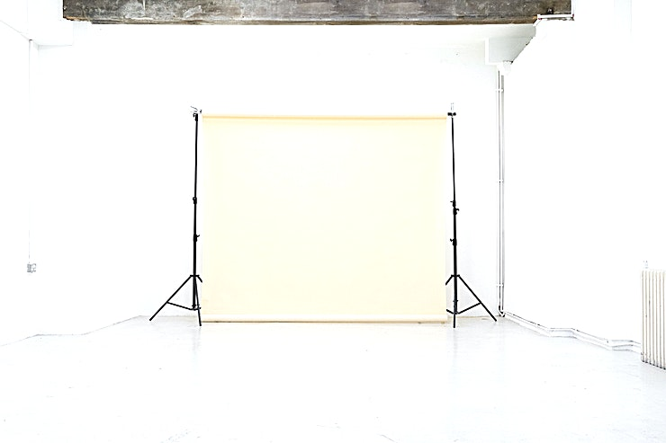 Studio 1 700 sq.ft | 11ft | 3.4m height | ground floor | full black out | white + brick wall | Great for photoshoots/filming |