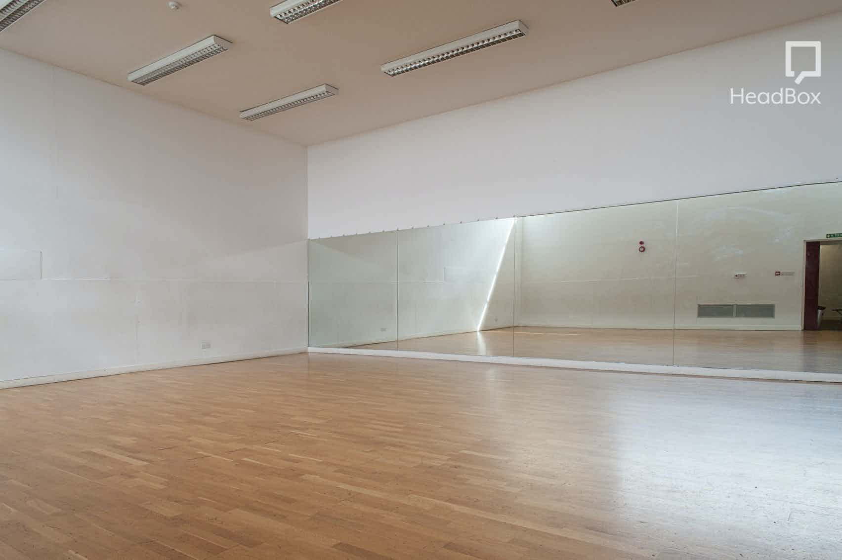 Dance Studio, Oxford House