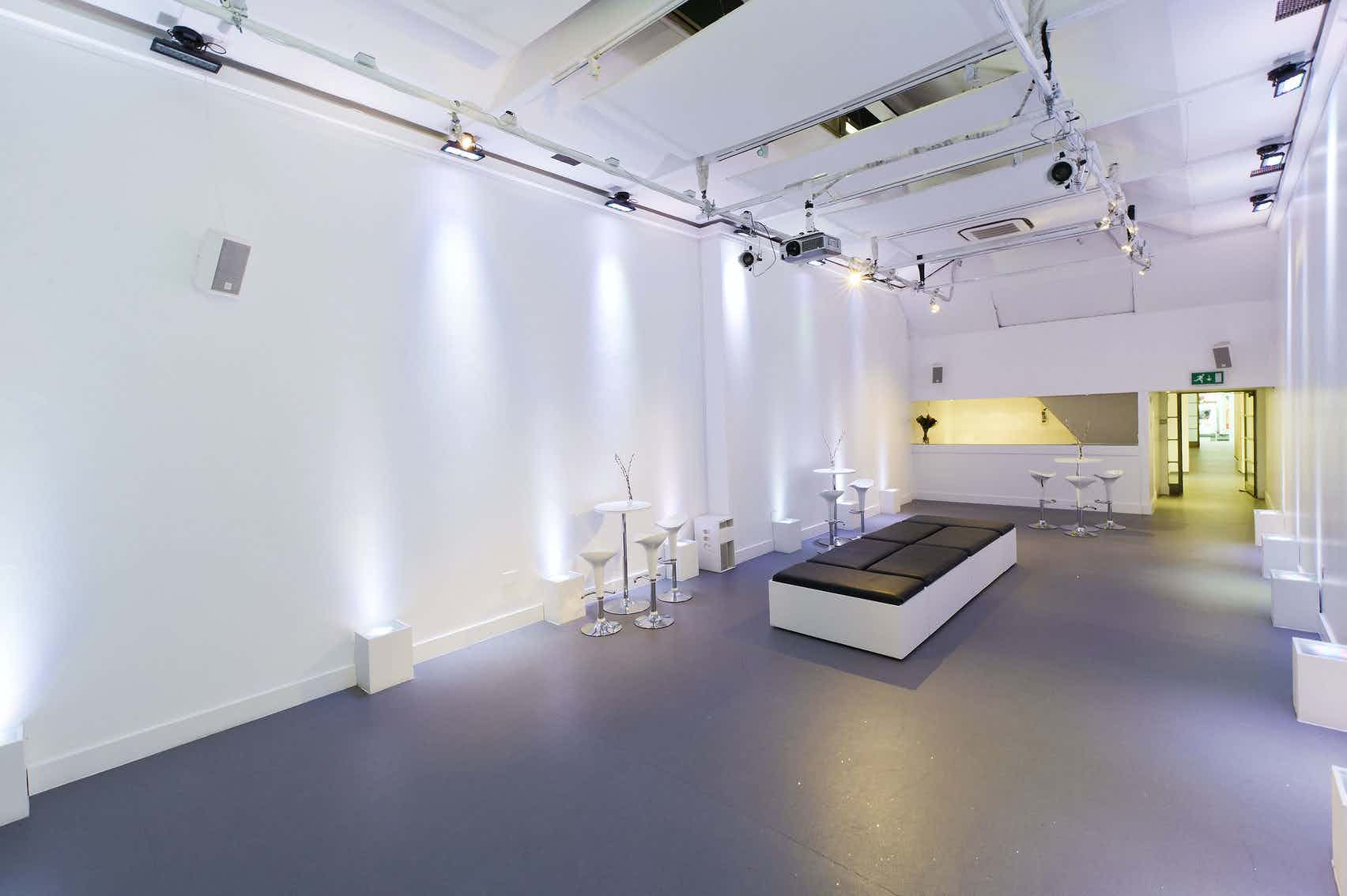 Gallery, White Space