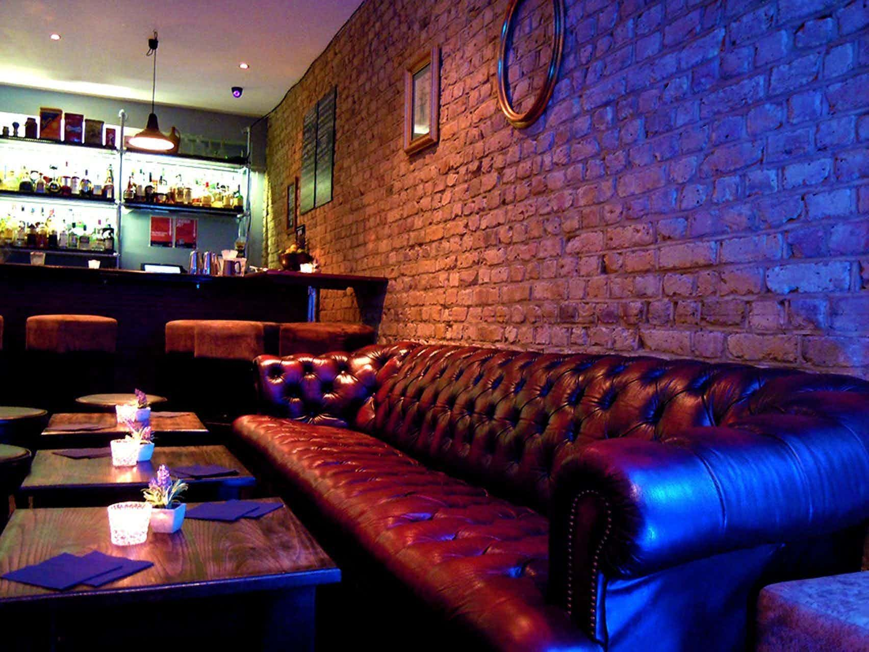 Book Bar / Live Music / Events at Dutch Courage  A London