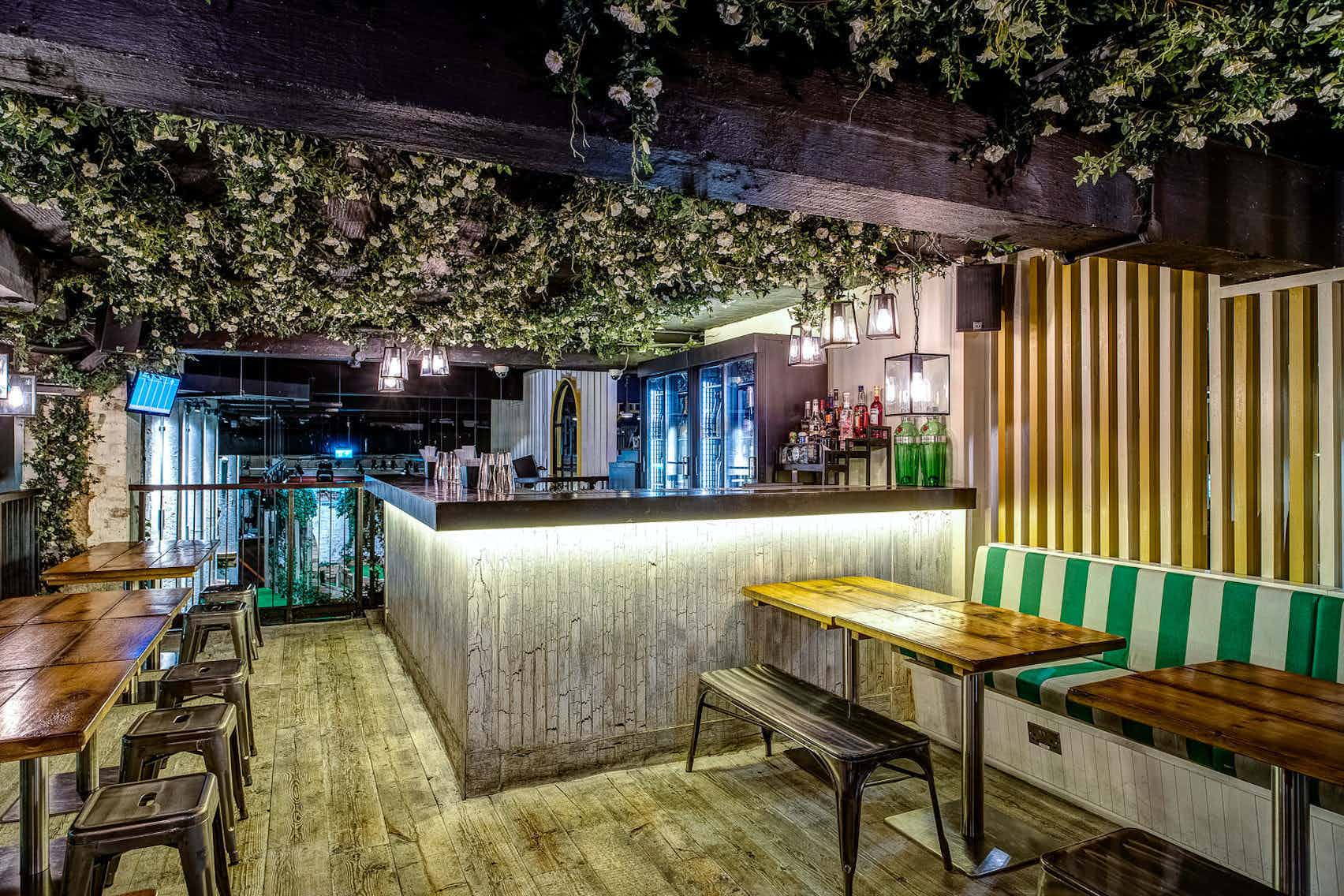 The Upper Club House and Gin Terrace, Swingers City