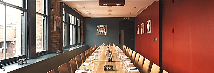 Market PDR Our first floor is flexible, whatever you're after. Whether it be birthdays, meetings, special dinners or any other celebration, this floor can accommodate each individual wish.  Half of the space can be cordoned off to create one or two meeting rooms – with projectors and screens if needed – for private hire or dining.  The whole floor can also be opened up to create a bigger space, perfect for hosting special events, a work function or Christmas party.  We'll take care of every aspect for you – just say the word.