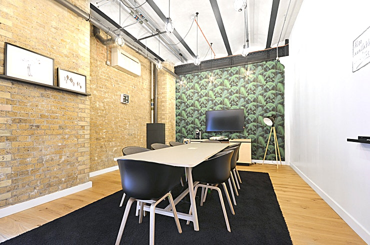 Meridian **Hire the Meridian meeting room at the Clerkenwell Workshops by Workspace for one of the best meeting rooms London has to offer.** 